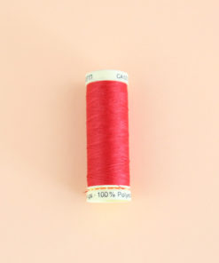Fil Gutermann 100 m - rouge 156