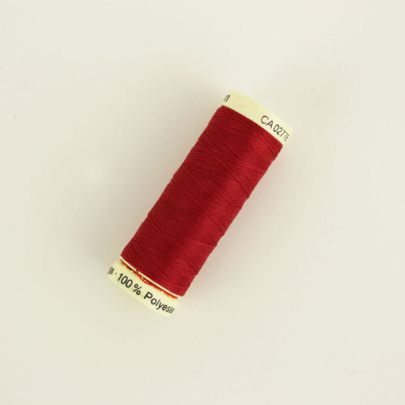 Fil Gutermann rouge 46