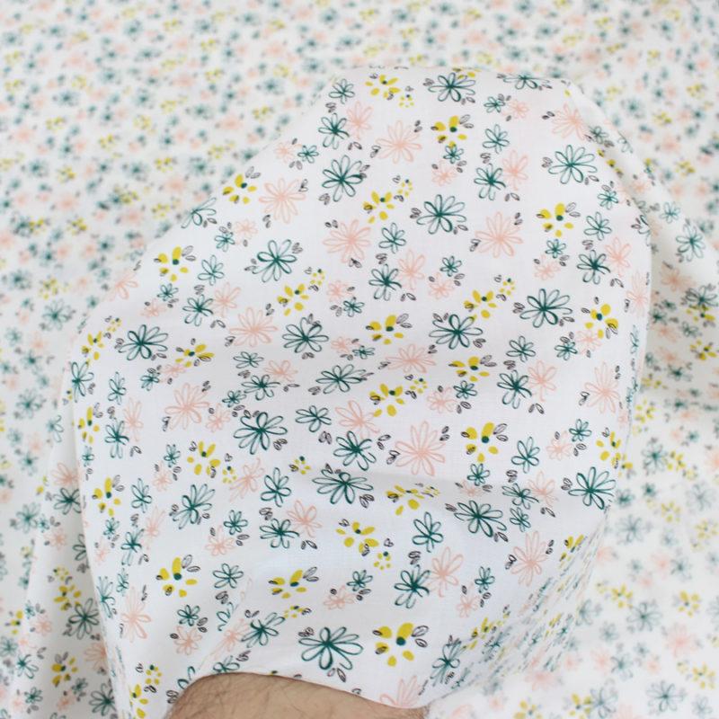 Tissu popeline de coton petites fleurs Oeko Tex