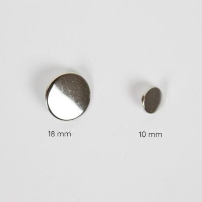 Boutons métal argent plat