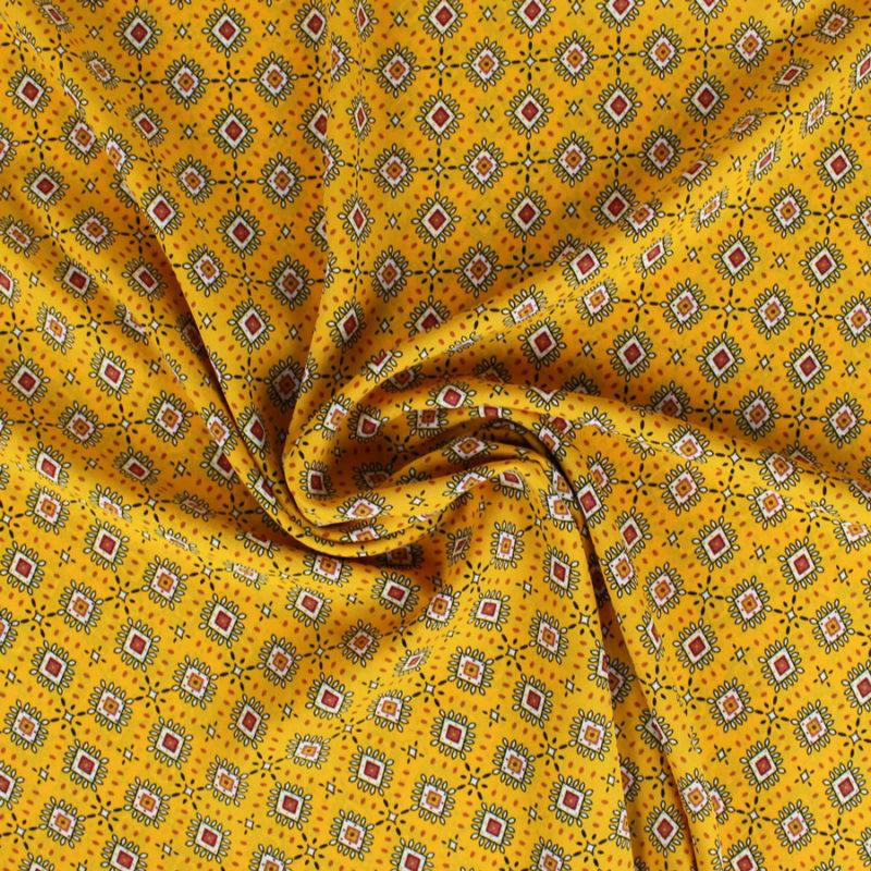 Tissu crêpe georgette à motifs losanges safran