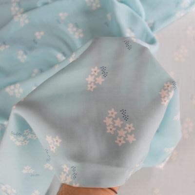 Tissu ViscoseStar Flower MounaSew - bleu