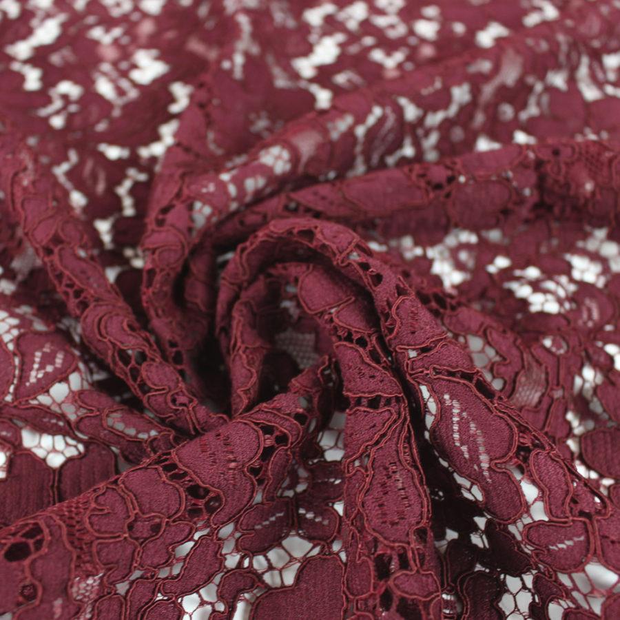 Tissu guipure fleurs d'Italie bordeaux