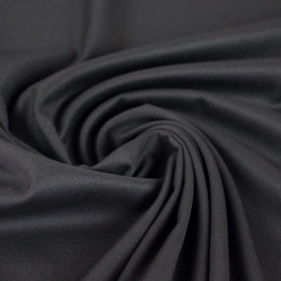 Gabardine noire de qualité