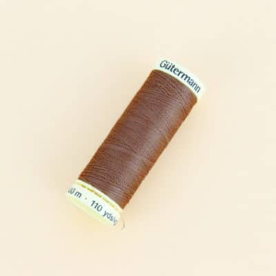 Fil Gutermann marron 450