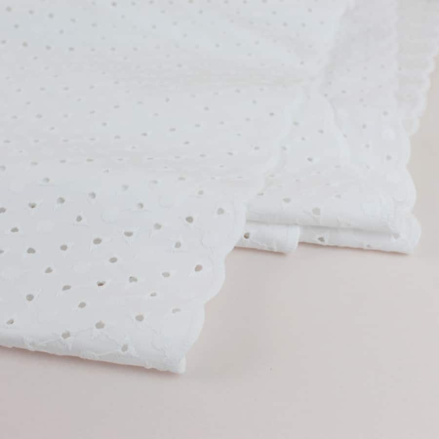 Broderie anglaise chainette